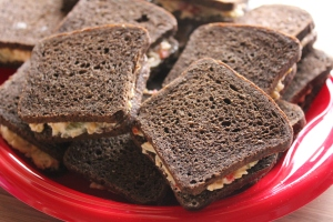 pimento cheese party sandwiches