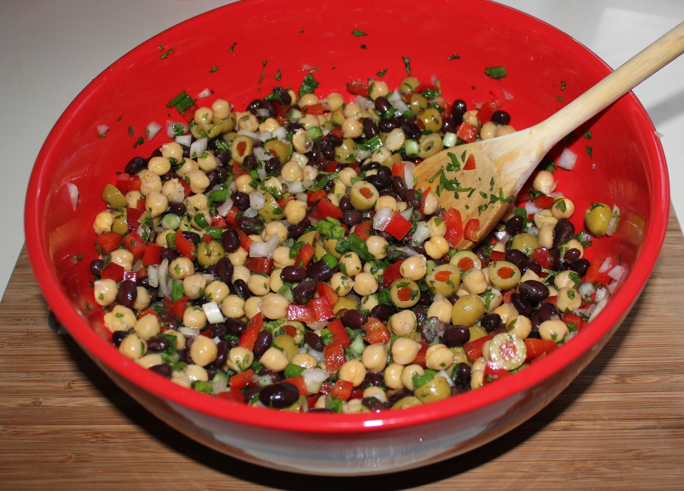 Kels Easy Black Bean And Garbanzo Salad Vegan Cafe Of All Veggie Vegetarian