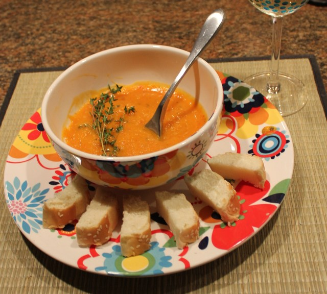 Kel's Roasted Butternut and Red Pepper soup with bread