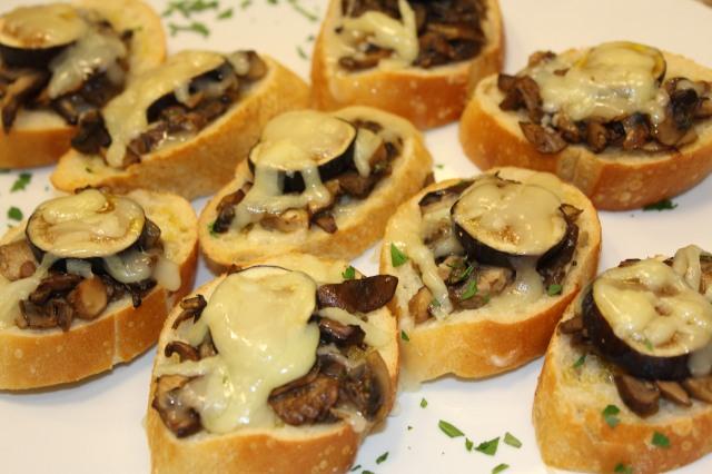 Mushroom crustinis
