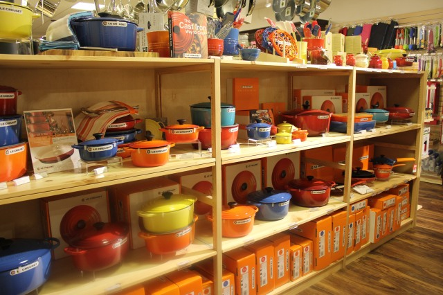 Whisk Le Creuset partial display