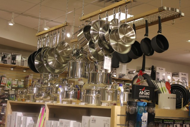 Whisk pots and pans