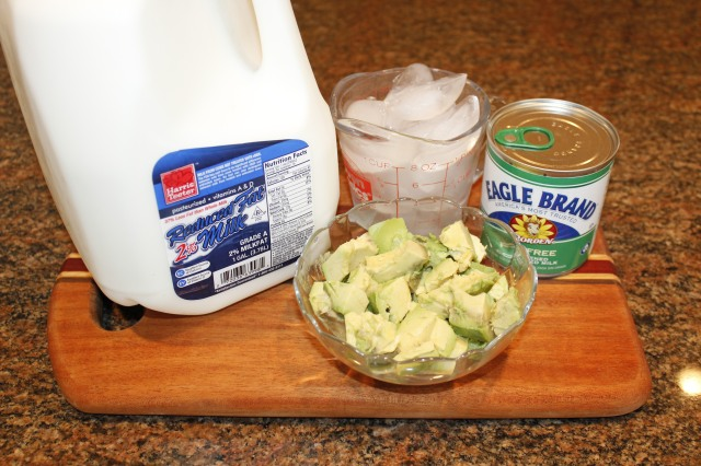 Avocado smoothie ingredients