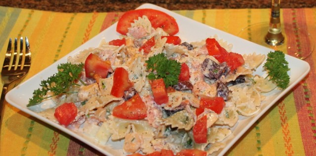 Kel's smoked salmon pasta salad close up