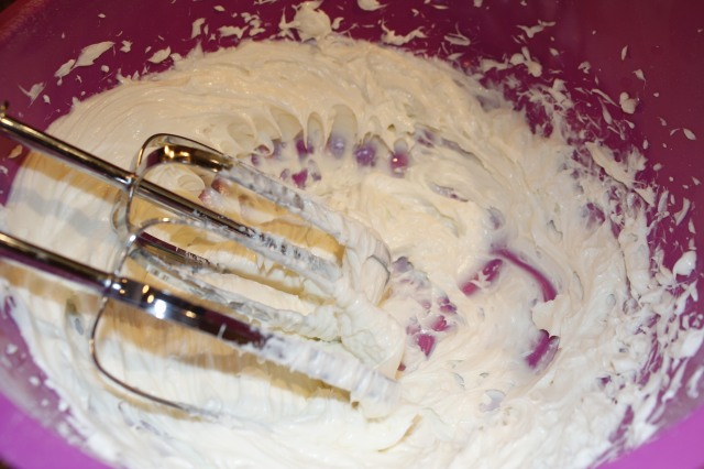 Mix together cream cheese and sugar