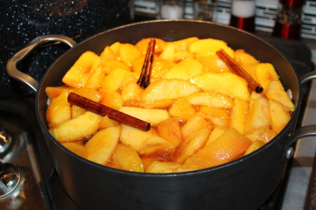 Add peaches to syrup