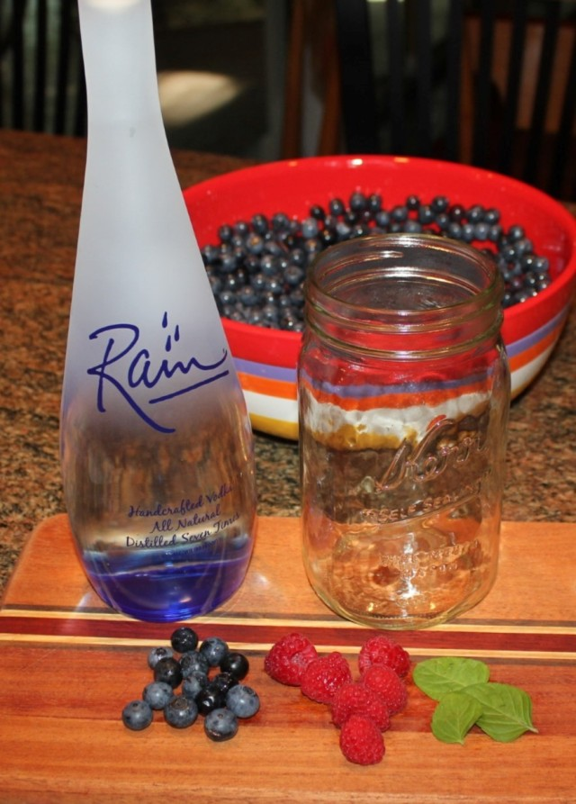 Berry-infused vodka ingredients