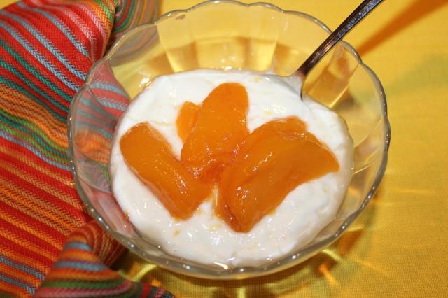 Kel's pickled peaches on yogurt