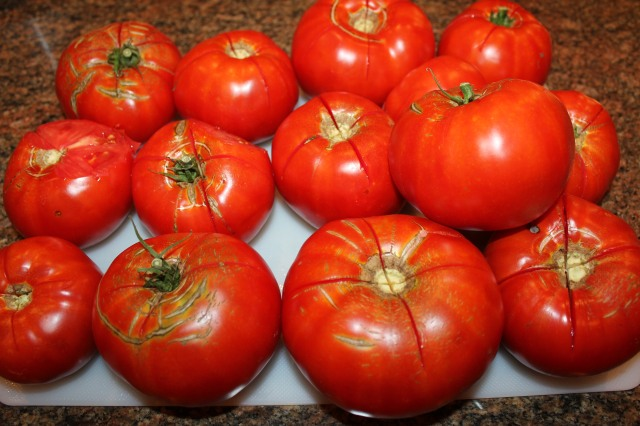 Score tomatoes