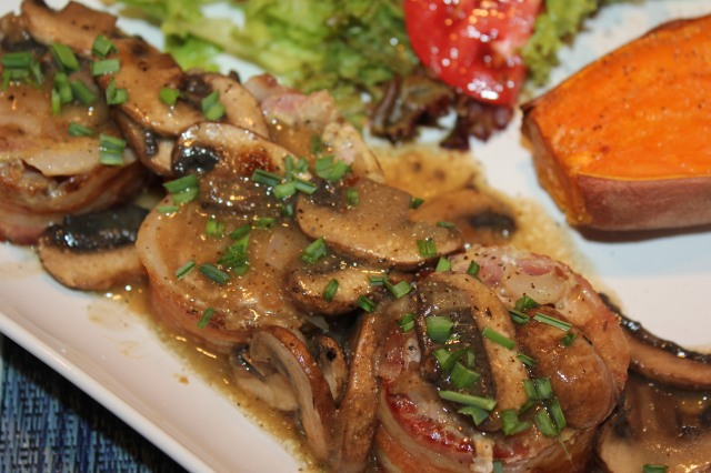 Top tenderloin with vemouth mushroom sauce