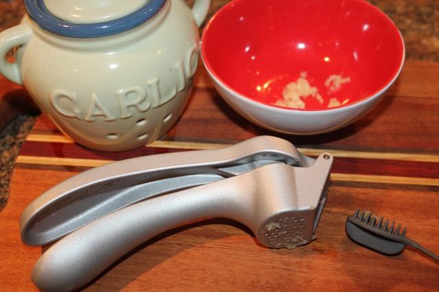 TPC garlic press