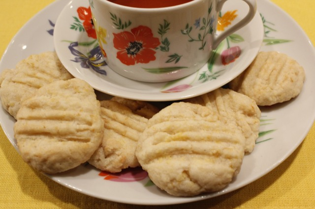 Lemon icebox cookies with tea