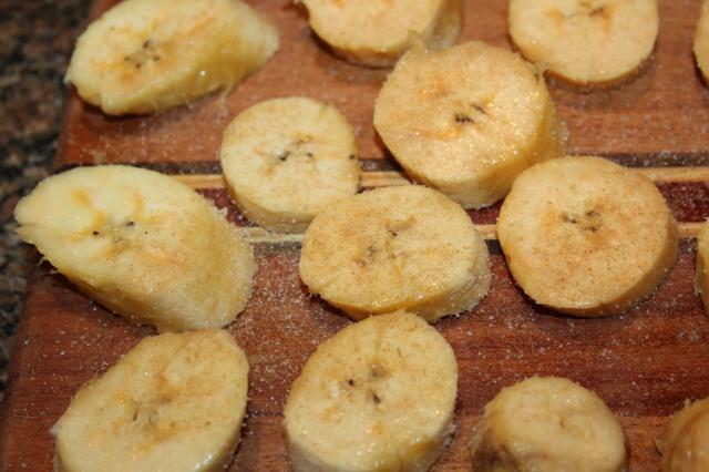 Sprinkle plantains with cinnamon sugar