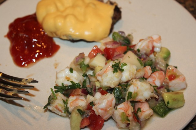 Shrimp ceviche with cheeseburger