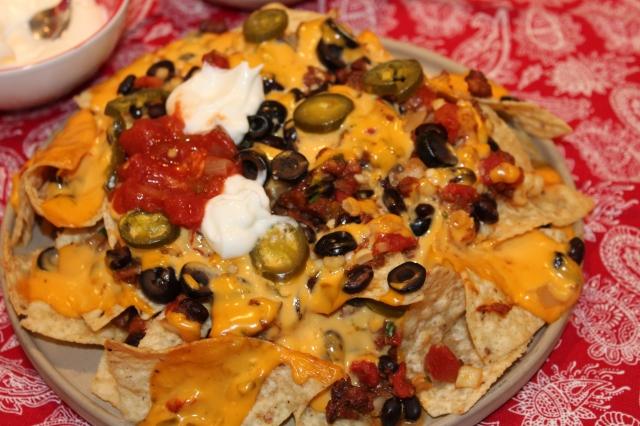 Cheesy chorizo nachos