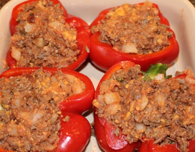 stuff-peppers-with-bacon-cheeseburger-mixture