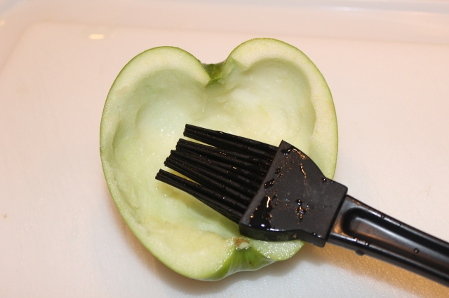 brush-inside-of-apple-with-lemon-juice