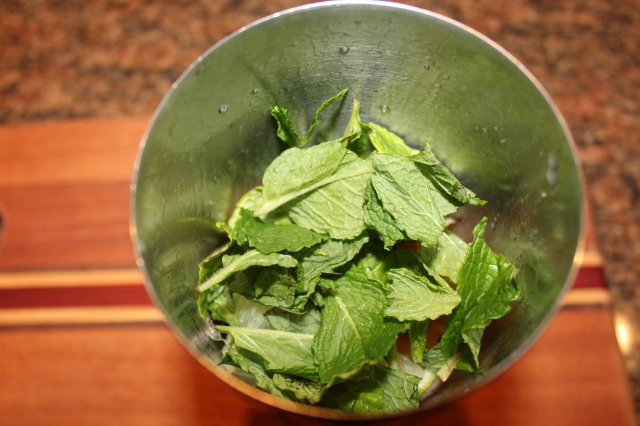 add-mint-leaves-to-saker