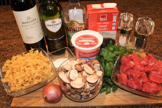 kels-braised-beef-stroganoff-ingredients