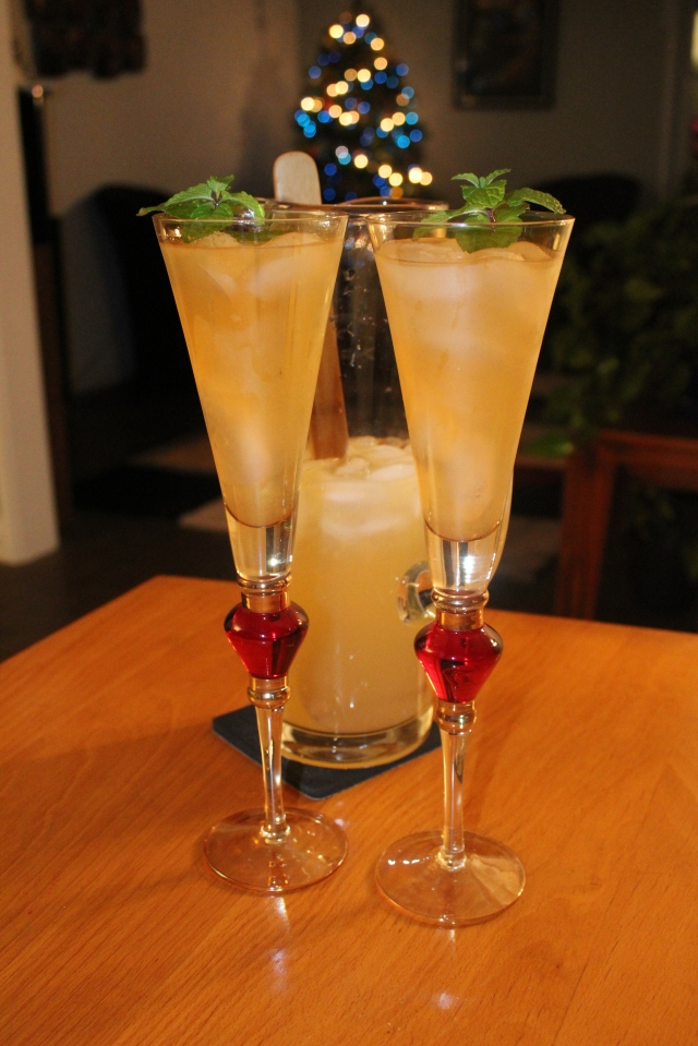 toasting-the-holidays-with-kels-champagne-mojitos