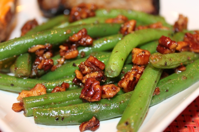 spiced-pecan-green-beans-up-close